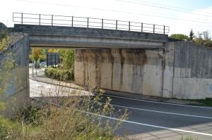 Puente sobre la carretera a Orkoien, en el barrio de San Jorge de Pamplona-Iruñea.