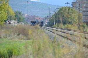 Puente sobre la carretera a Orkoien, en el barrio de San Jorge de Pamplona-Iruñea. Previsto desdoblamiento de la vía a la izquierda.
