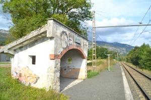 Apeadero y puente de Lakuntza. Descatalogado, no se puede utilizar.