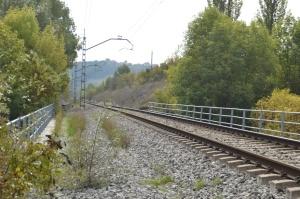 Puentes sobre la carretera y el Río Arga en el Polígono Industrial de Landaben de Pamplona-Iruñea. Previsto desdoblamiento de la vía a la izquierda.