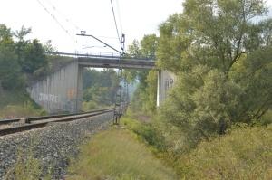 Puente a la entrada de Uharte-Arakil. Previsto desdoblamiento de la vía a la derecha.