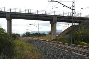 Puente a la entrada de Irañeta. Previsto desdoblamiento de la vía a la izquierda.