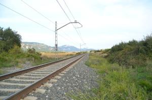 Puente a la entrada de Irañeta. Previsto desdoblamiento de la vía a la derecha.