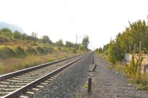 Apeadero de Hiriberri, Arakil. Descatalogado, no se puede utilizar. Previsto desdoblamiento de la vía a la izquierda.