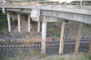Puente de la carretera cerca de Atondo, Iza.