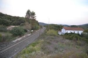 Puente de la carretera cerca de Atondo, Iza. Previsto desdoblamiento de la vía a la derecha.
