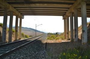 Puente cerca de Beriain. Previsto desdoblamiento de la vía a la derecha.