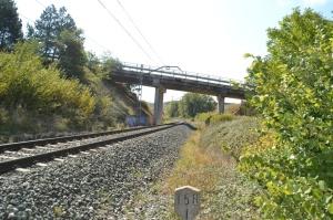 Puente de la carretera a Valdizarbe, cerca de Biurrun-Campanas. Previsto desdoblamiento de la vía a la derecha.