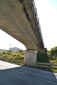 Puente junto a Mendivil. No está adaptado para ser desdoblado.