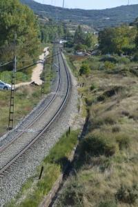 Puente a la entrada de Pueyo. Previsto desdoblamiento de la vía a la derecha.