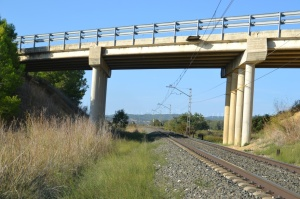 Puente cerca de Beire. Previsto desdoblamiento de la vía a la izquierda.